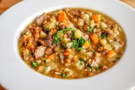 piatto di lenticchie in umido capodanno